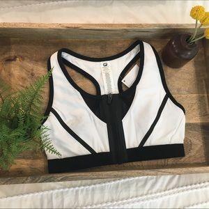 XS Zipper front Fabletics sports bra